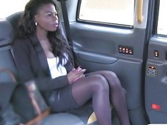 Ebony screwed by fraud driver in his cab to off her fare
