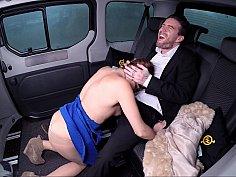 Teen's first backseat bang