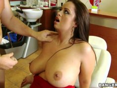 BBW brunette gal Sirale gets a full service for her pussy