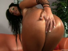 Too tanned brunette Angela Aspen wants to give a blowjob to Chris Strokes