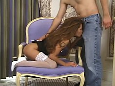 Corset-wearing hottie drilled