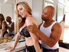 Sultry Woman Julia Ann Blowing Huge Cock