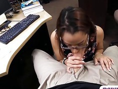 Amateur college girl with glasses pounded by pawn dude