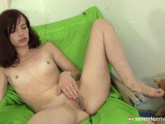 Skinny Leila enjoys rubbing her pussy